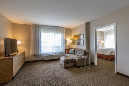 Guestroom | TownePlace Suites by Marriott Lexington Keeneland/Airport