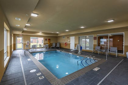 Pool | TownePlace Suites by Marriott Lexington Keeneland/Airport