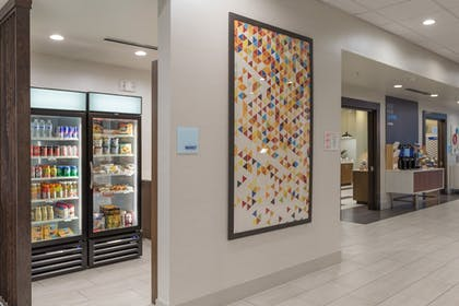 Gift Shop | Holiday Inn Express and Suites San Marcos South