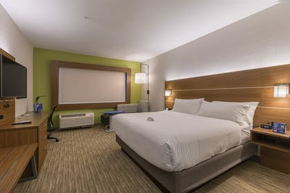 Room | Holiday Inn Express and Suites San Marcos South