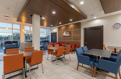 Restaurant | Holiday Inn Express and Suites San Marcos South