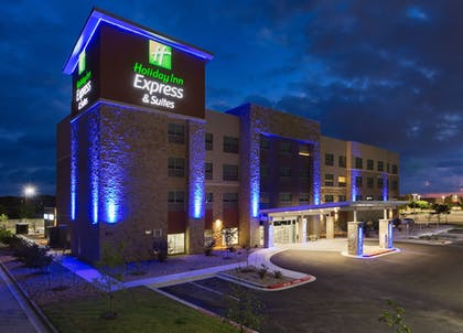 Featured Image | Holiday Inn Express and Suites San Marcos South