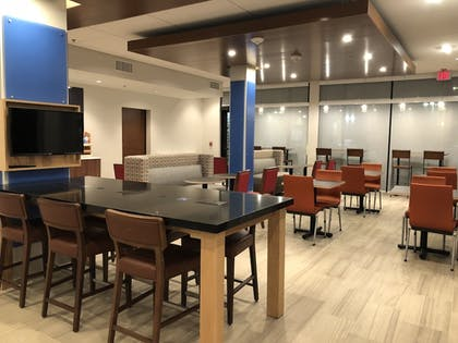 Dining | Holiday Inn Express & Suites Racine