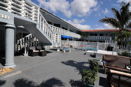 Property Grounds | 925 Ocean Boutique Hotel