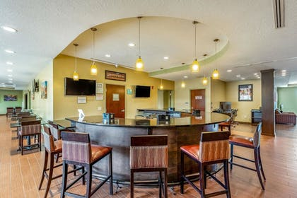 Hotel Bar | Clarion Inn & Suites Hurricane Zion Park Area