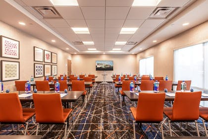 Meeting Facility | Holiday Inn Express & Suites Gainesville - Lake Lanier Area