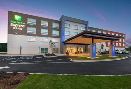 Featured Image   Holiday Inn Express & Suites Gainesville - Lake Lanier Area