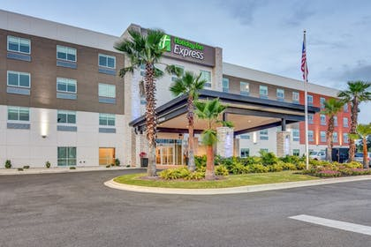 Featured Image | Holiday Inn Express Fort Walton Beach Central