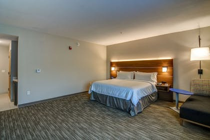 Guestroom | Holiday Inn Express Fort Walton Beach Central