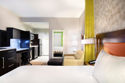 Guestroom | Home2 Suites by Hilton Indianapolis South Greenwood