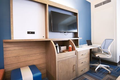 In-Room Business Center | EVEN Hotel Miami - Airport