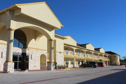 Featured Image | Express Inn & Suites - Bush Airport