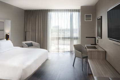 Guestroom   AC Hotel by Marriott Boston Cleveland Circle