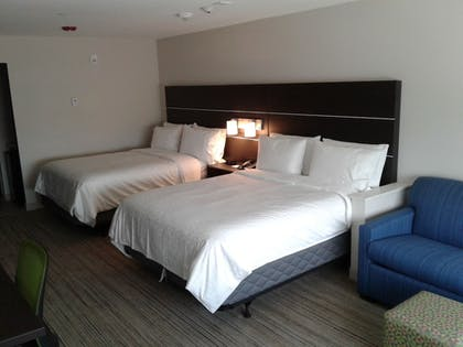 Guestroom | Holiday Inn Express & Suites Houston SW - Missouri City