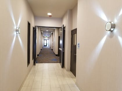 Lobby | Holiday Inn Express & Suites Colorado Springs AFA Northgate