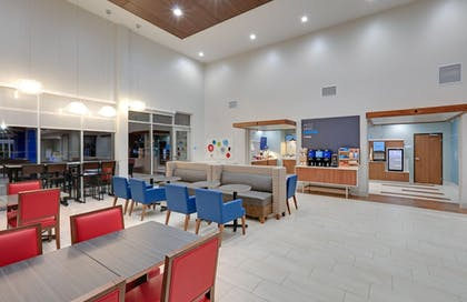 Restaurant | Holiday Inn Express & Suites Dallas NW HWY - Love Field