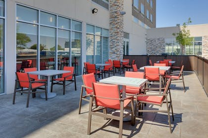 Outdoor Dining | Holiday Inn Express & Suites Dallas NW HWY - Love Field
