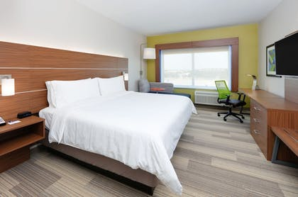 Guestroom | Holiday Inn Express & Suites Dallas NW HWY - Love Field