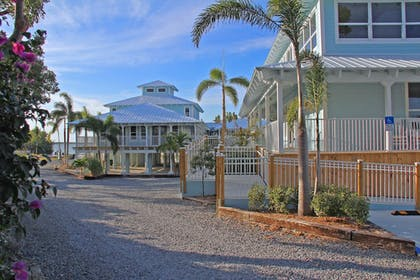 Featured Image   Dolphin Point Villas