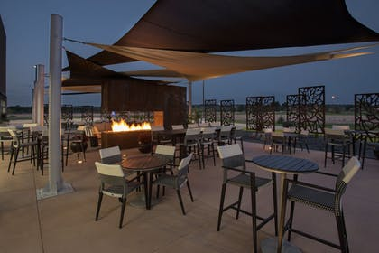Outdoor Dining | Holiday Inn Express and Suites Dakota Dunes