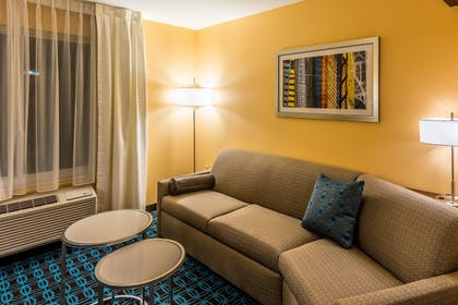 Guestroom | Fairfield Inn & Suites by Marriott Atlanta Fairburn