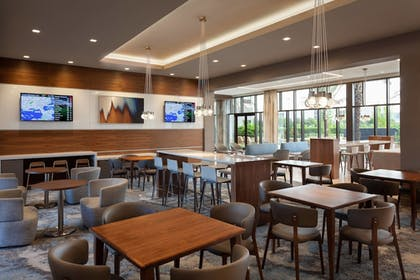 Breakfast Area | SpringHill Suites by Marriott Orlando at Millenia