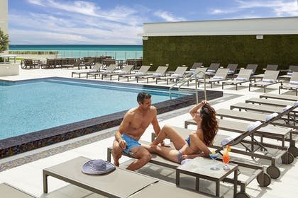 Rooftop Pool | Costa Hollywood Beach Resort