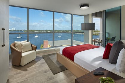 Guestroom | Costa Hollywood Beach Resort