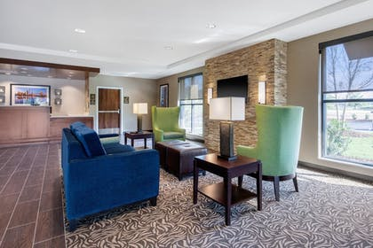 Lobby | Comfort Inn & Suites at CrossPlex Village