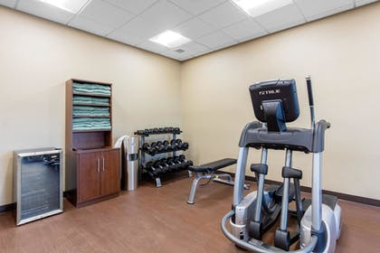 Fitness Facility | Comfort Inn & Suites at CrossPlex Village