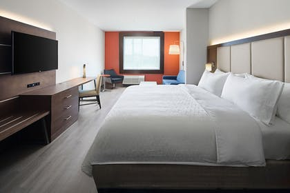Guestroom | Holiday Inn Express & Suites Lubbock Central - Univ Area