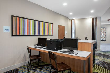 Business Center | Holiday Inn Express & Suites Lubbock Central - Univ Area