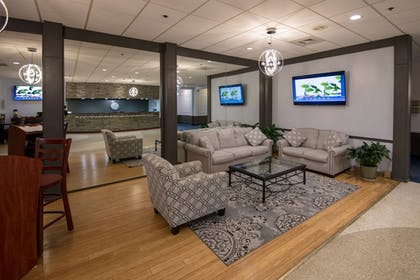 Lobby Sitting Area | Ramada by Wyndham Cedar Rapids
