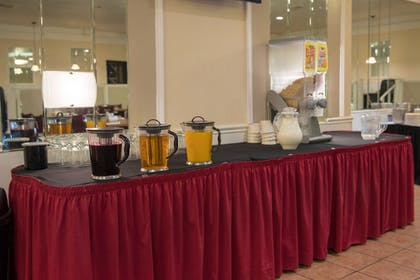 Breakfast Area | Ramada by Wyndham Cedar Rapids