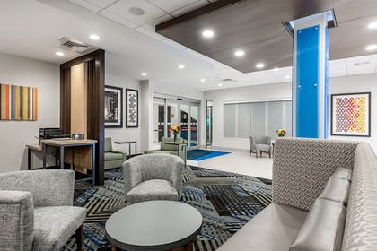 Lobby Sitting Area | Holiday Inn Express And Suites Punta Gorda