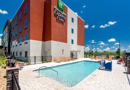Pool | Holiday Inn Express And Suites Punta Gorda