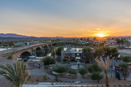 View from Hotel | Holiday Inn Express And Suites Lake Havasu - London Bridge