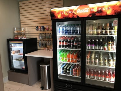 Snack Bar | Holiday Inn Express And Suites Hannibal - Medical Center