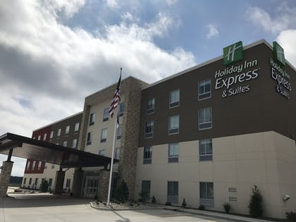 Exterior | Holiday Inn Express And Suites Hannibal - Medical Center