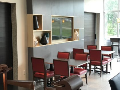 Restaurant | Holiday Inn Express And Suites Hannibal - Medical Center