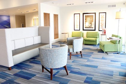 Lobby | Holiday Inn Express And Suites Moses Lake
