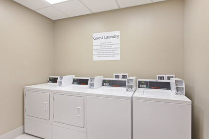 Laundry Room | Holiday Inn Express And Suites Moses Lake