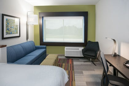 Guestroom | Holiday Inn Express & Suites Bryan