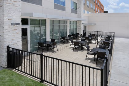 Outdoor Dining | Holiday Inn Express & Suites Bryan