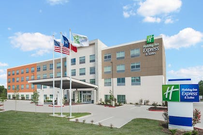 Exterior | Holiday Inn Express & Suites Bryan