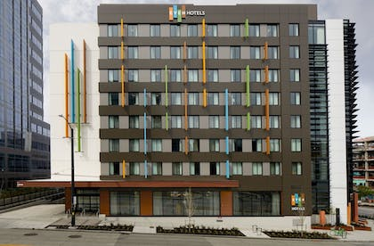 Exterior | EVEN Hotel Seattle - South Lake Union