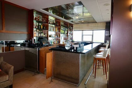 Hotel Bar | MIA Luxe Properties at Mutiny Park Condominium-Hotel