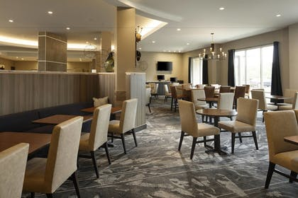 Restaurant | TownePlace Suites by Marriott Louisville Northeast
