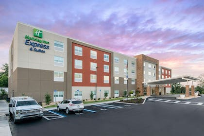 Featured Image   Holiday Inn Express & Suites Alachua - Gainesville Area