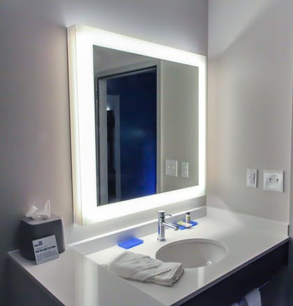 Bathroom | Holiday Inn Express & Suites Nashville North - Springfield